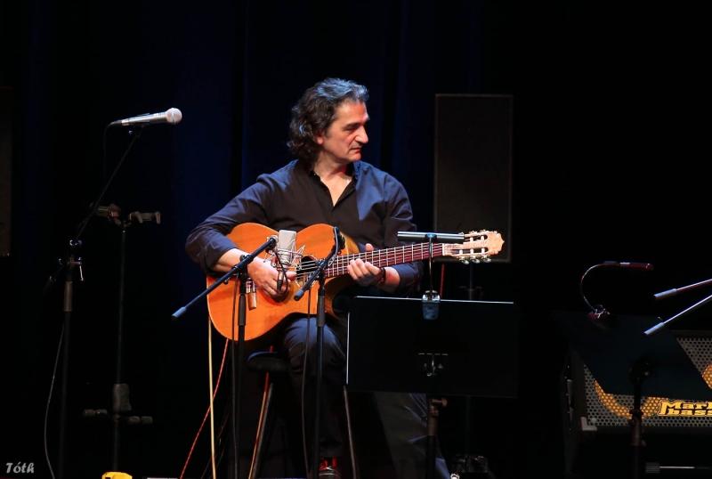 with Richard Bona, Pécs, Kodaly Center,  2013 - © László Tóth